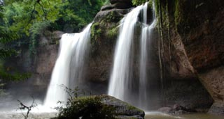 Thailand's most popular park with wild animals, mountains, monsoon forests, waterfalls...