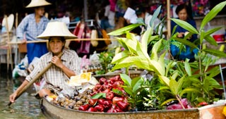 How to have a great floating market experience without the tourist hordes