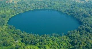 Yaek Laom Lake