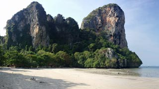 Stunning beaches & scenery, nightlife, a backpacker & climbing mecca!