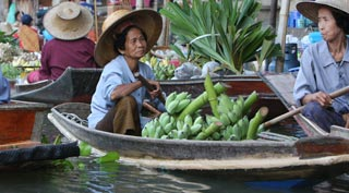 A truly local community floating market without the crowds