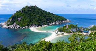 A tiny tropical paradise island with a ramshackle backpacker feel and legendary diving