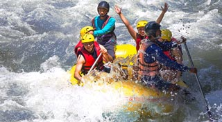 An adrenaline fuelled white water ride down the Mae Taeng River