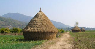 Beautiful, less well-trodden scenery & hill tribe villages are around Tha Ton